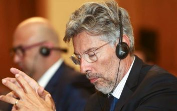Τελικός Κυπέλλου: Καταγγέλλει τον Περέιρα για τις αλλαγές ρόλων στους διαιτητές η ΑΕΚ
