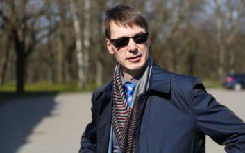Μπελάδες με το… καλημέρα σας για τη νέα κυβέρνηση της Εσθονίας