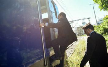 Με τη γυναίκα και το γιο του Λαμπράκη στο Intercity Express ο Σπίρτζης