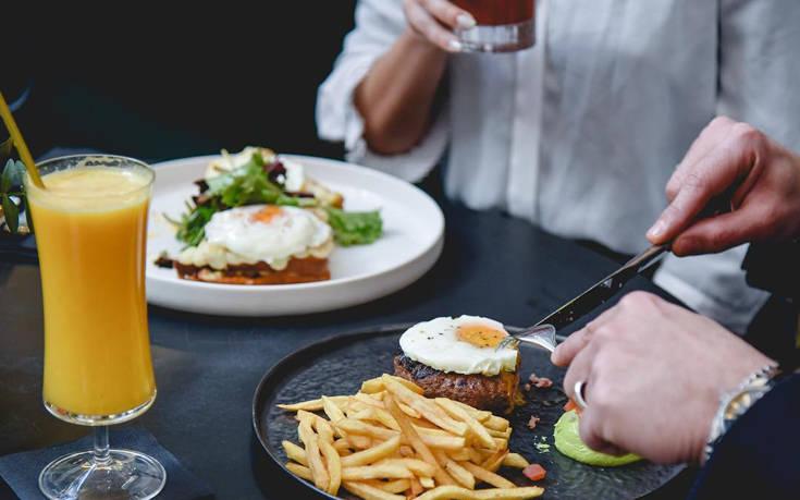Πού να βγείτε για φαγητό και ποτό γύρω από το Σύνταγμα – Newsbeast