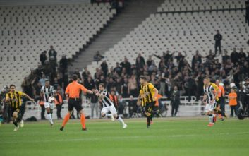 Τελικός Κυπέλλου: Ο ΠΑΟΚ άνοιξε το σκορ στο 45' επί της ΑΕΚ