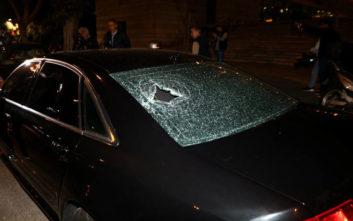 Επίθεση κουκουλοφόρων εναντίον αστυνομικών σε εκδήλωση στη Συγγρού