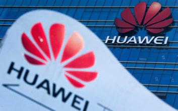 Τι απαντά η Huawei στο μπλόκο της Google