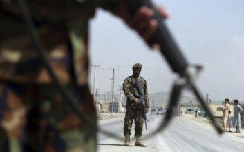 Αυξήθηκαν οι νεκροί από την επίθεση καμικάζι κοντά σε στρατιωτική ακαδημία της Καμπούλ