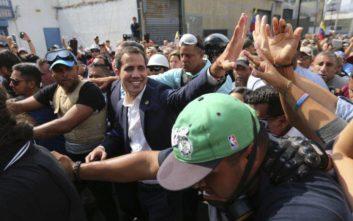 Βενεζουέλα: Κάλεσμα του Γκουαϊδό για νέες διαδηλώσεις και πίεση στον στρατό