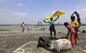 Στο Μπανγκλαντές ο φονικός κυκλώνας Φάνι μετά την καταστροφή στην Ινδία