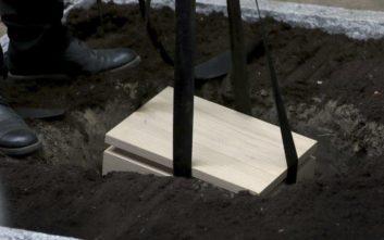 Μικροσκοπικά λείψανα θυμάτων του ναζισμού ενταφιάστηκαν σχεδόν 70 χρόνια