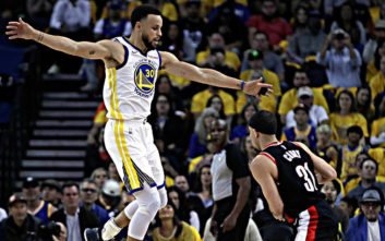 NBA: Ο Κάρι «έπιασε» τον Χάρντεν με τριάντα πόντους για ακόμα μία φορά