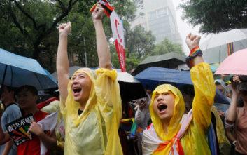 Η πρώτη χώρα στην Ασία που νομιμοποίησε τους γάμους των ομοφυλόφιλων