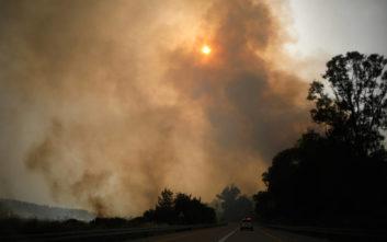 Γαλλία: 1.000 πυροσβέστες στη μάχη με τις φλόγες σε δύο πυρκαγιές