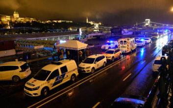 Φωτογραφίες και βίντεο από το ναυάγιο στη Βουδαπέστη, επτά οι νεκροί