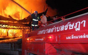 Ταϊλάνδη: Πάνω από 130 άνθρωποι στο νοσοκομείο λόγω μεγάλης φωτιάς σε λιμάνι