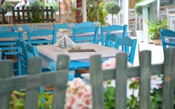Καθιερωμένα γευστικά στέκια σε πλατείες της πόλης