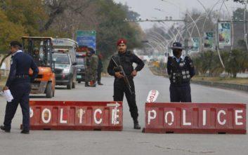 Ένας νεκρός από την επιδρομή ενόπλων σε ξενοδοχείο στο Πακιστάν