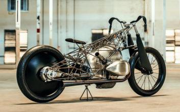 Μια φανταστική μηχανή που φτιάχτηκε μόνο και μόνο για τον… κινητήρα της