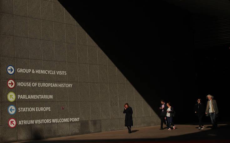 Αποτελέσματα ευρωεκλογών 2019: Η Λεπέν άφησε τον Μακρόν 0,9% πίσω
