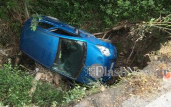 Αυτοκίνητο με δύο επιβάτες έπεσε στο κενό στα Χανιά