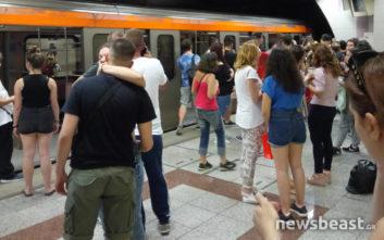Συνελήφθη ο άγνωστος που περπατούσε στη σήραγγα του μετρό