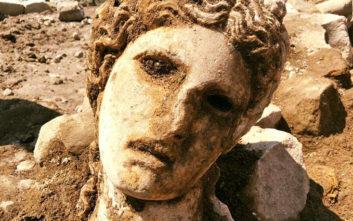 Κεφαλή αγάλματος του θεού Διόνυσου ηλικίας 2.000 ετών ανακαλύφθηκε στη Ρώμη