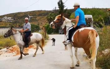 Εκλογές 2019: Δύο φίλοι από το Ναύπλιο πήγαν να ψηφίσουν με άλογα