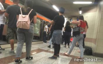Αναστάτωση με άνδρα που περπατά στις γραμμές του μετρό στη στάση Συγγρού-Φιξ