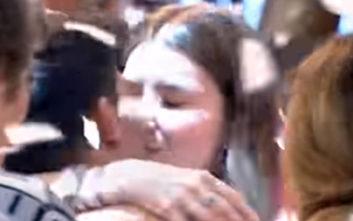 MasterChef 3: Το φιλί του Μανώλη στη σύντροφό του μετά τη νίκη του