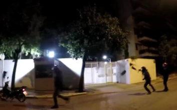 Το βίντεο από την επίθεση του Ρουβίκωνα στο σπίτι του Αμερικανού πρέσβη