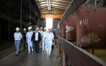 Επίσκεψη του Υπουργού Εθνικής Άμυνας στα Ναυπηγεία Σκαραμαγκά και Ελευσίνας