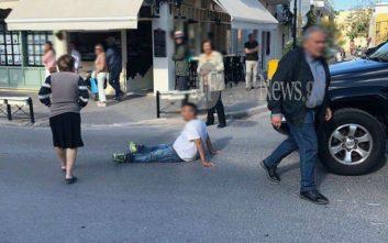 Νεαρός ξάπλωσε στη μέση του δρόμου και φώναζε «διορίστε με»
