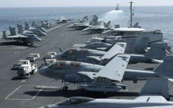 Με αεροπλανοφόρο και δύναμη κρούσης στέλνουν οι ΗΠΑ «σαφές μήνυμα» στο Ιράν