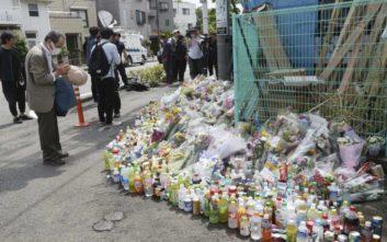 Μέσα σε 20 δευτερόλεπτα έσπειρε τον τρόμο και τον θάνατο ο δράστης στην Ιαπωνία