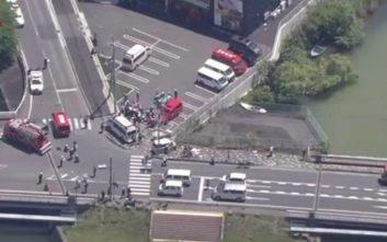 Αυτοκίνητο συγκρούστηκε με άλλο όχημα και έπεσε πάνω σε νήπια στην Ιαπωνία