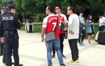 Τελικός Europa League: Αστυνομικοί σταματούν φίλους της Άρσεναλ επειδή φορούν μπλούζα Μικιταριάν