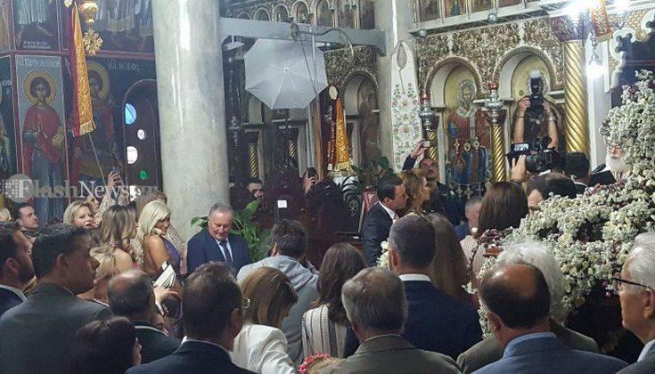 Κουμπάρα σε γάμο στην Κρήτη η Μαρία Μενούνος – Newsbeast