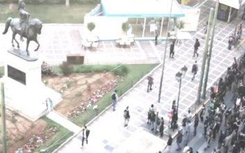 Βίντεο από την επίθεση στο εκλογικό περίπτερο του Κώστα Μπακογιάννη