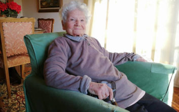 Η 97χρονη που δακρύζει ακόμα για την πατρίδα που έχασε