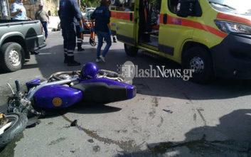 Τροχαίο ατύχημα στα Χανιά, στο νοσοκομείο οδηγός δικύκλου