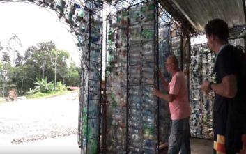 Το χωριό από πλαστικά μπουκάλια στον Παναμά