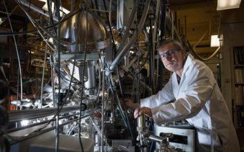 Έλληνας επιστήμονας σχεδίασε φορητή συσκευή που παράγει οξυγόνο από διοξείδιο του άνθρακα