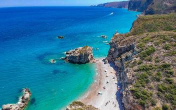 Guardian: Οι πέντε ελληνικές παραλίες ανάμεσα στις 40 καλύτερες της Ευρώπης