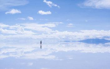 Ο μεγαλύτερος... καθρέπτης στον κόσμο βρίσκεται στη Βολιβία