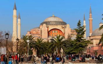 Γεννηματά για Ερντογάν: Επιχειρεί να βεβηλώσει την Αγία Σοφία