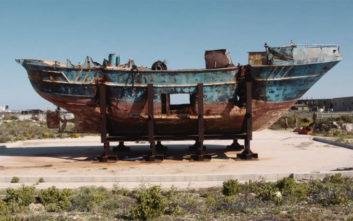 Η βάρκα που οδήγησε στον θάνατο 800 ανθρώπους στη Μπιενάλε Βενετίας
