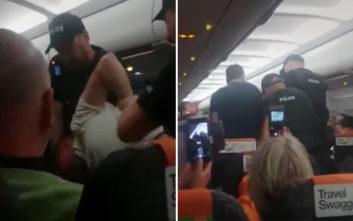Το νταηλίκι στο αεροπλάνο δεν του βγήκε σε καλό