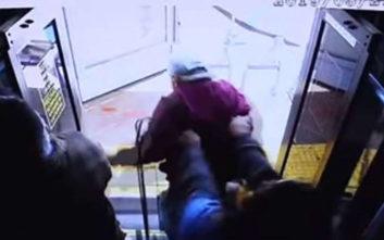 Τραγικός θάνατος ηλικιωμένου, τον έσπρωξαν από λεωφορείο και σκοτώθηκε