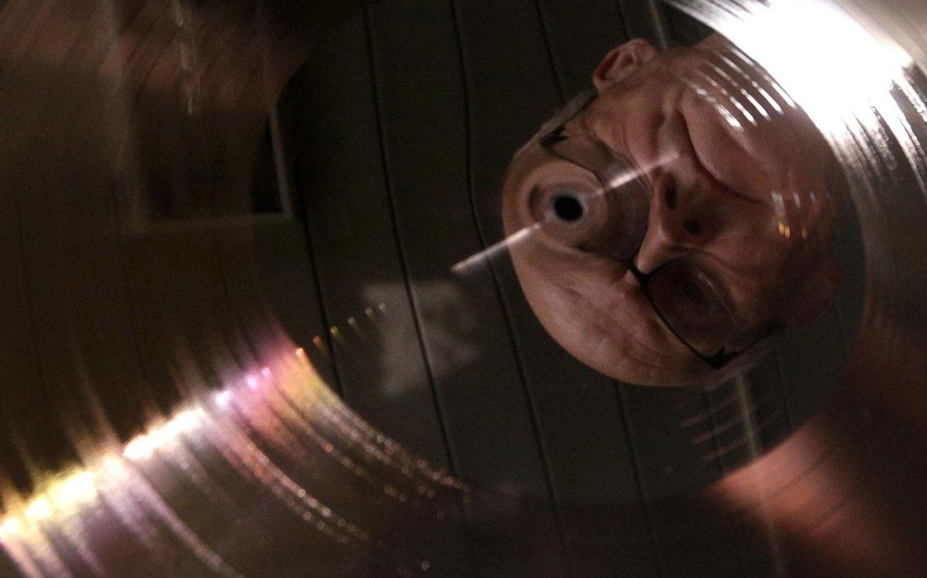 Όταν τα πολυθρύλητα υποσυνείδητα μηνύματα στους δίσκους προκαλούσαν πάταγο