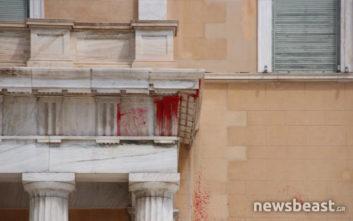 Οι τρεις επιθέσεις του Ρουβίκωνα στη Βουλή