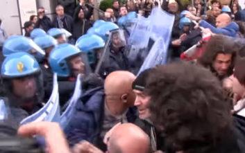 Η Νάπολη υποδέχθηκε τον Σαλβίνι με διαδηλώσεις και επεισόδια
