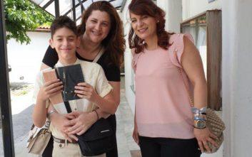 Πώς δυο γονείς κάνουν συναρπαστική τη ζωή του κωφού παιδιού τους
