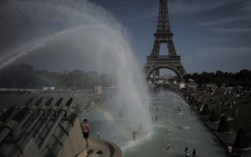«Θερίζει» ο καύσωνας την Ευρώπη, νεκροί και θερμοκρασίες ρεκόρ